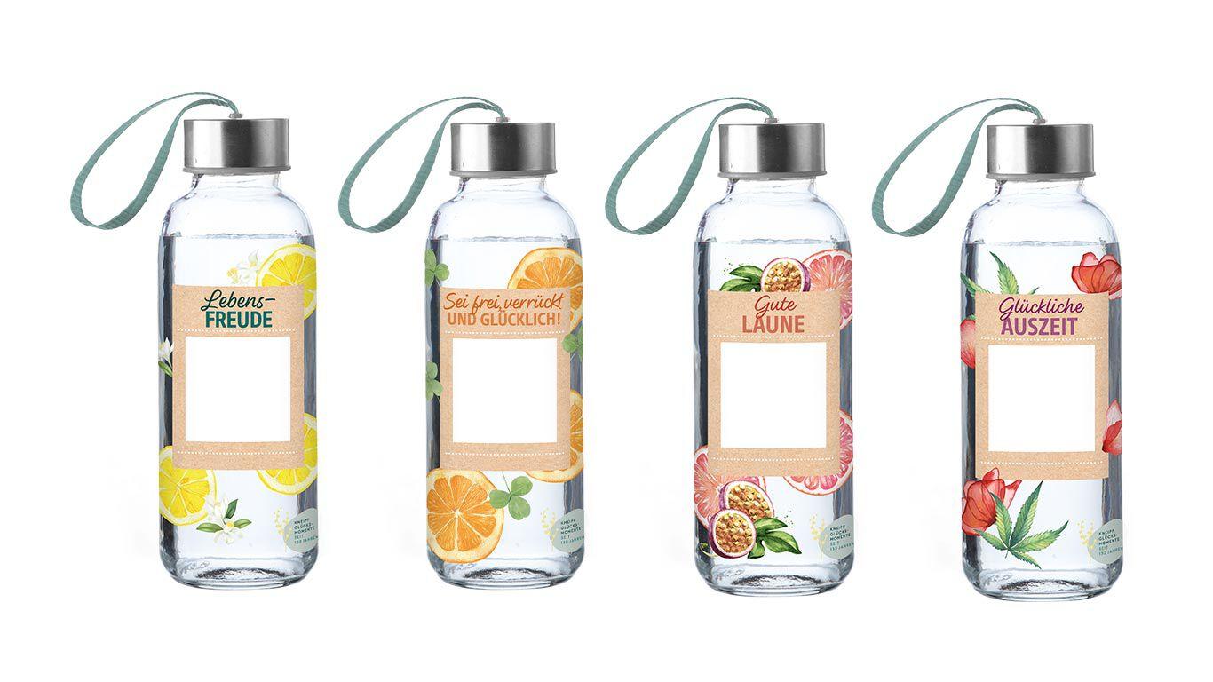 vier-glasflaschen-mit-bändel
