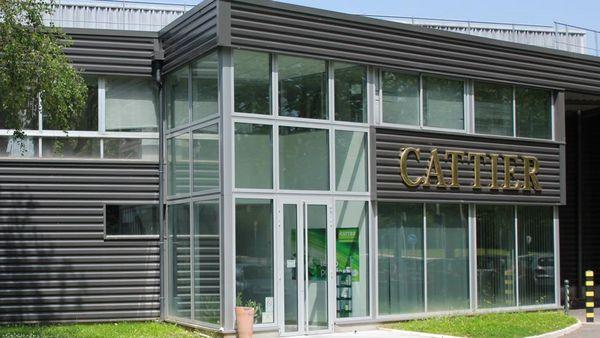 Außenansicht des Cattier Paris Headquarters.