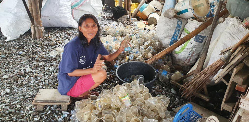 Für das Ocean Waste Recycling wird das Meeresplastik sortiert
