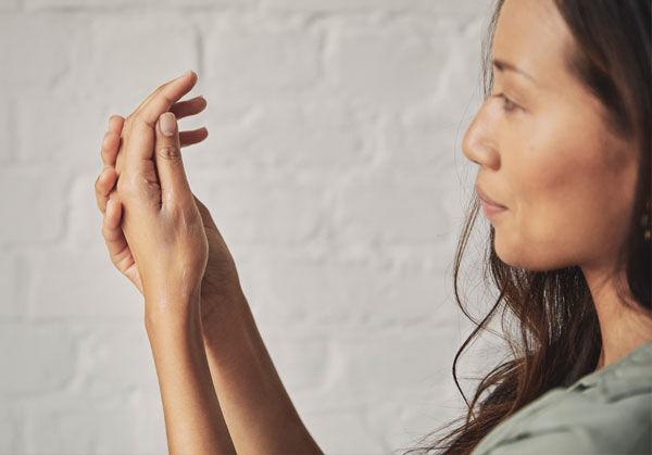 Pflege für die Hand: Welche Handcreme ist für dich die richtige?