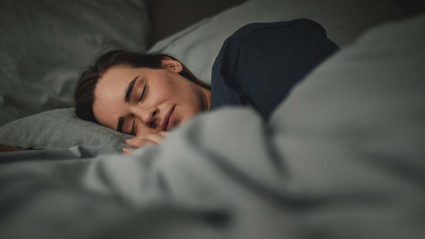Frau beim Schlafen.