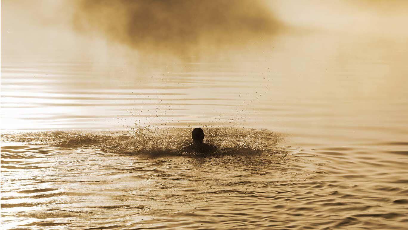 Schwimmer in einem See