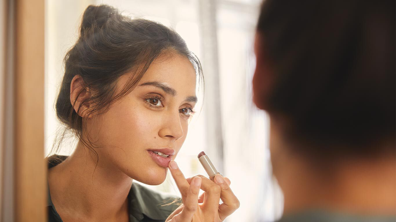 Farbige Lippenpflege mit natürlichen Inhaltsstoffen