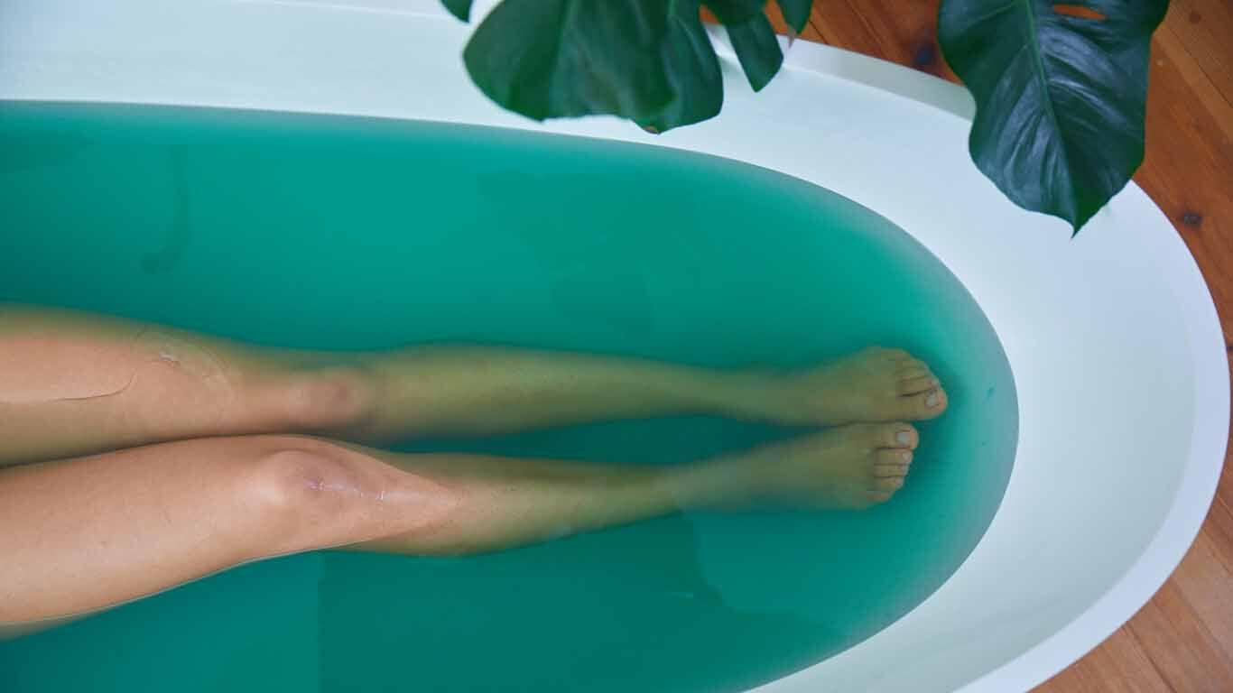 Erkältungsbad: Verwendung geeigneter Badezusätze