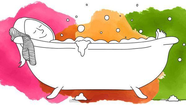 Schwarz-weiß Illustration einer Frau in der Badewanne vor buntem Hintergrund.